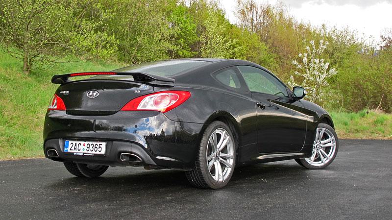 Test: Hyundai Genesis Coupe: Drift King: - fotka 47