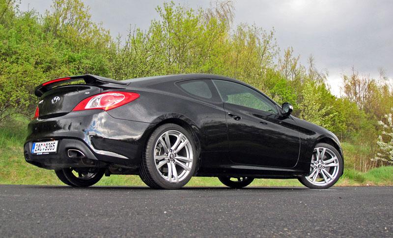Test: Hyundai Genesis Coupe: Drift King: - fotka 48