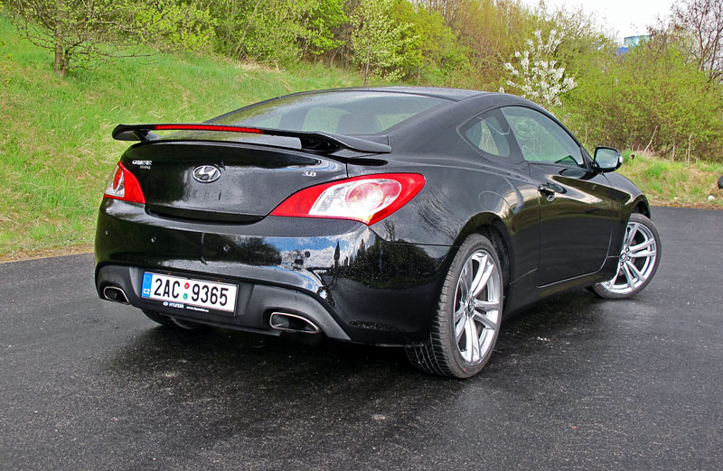 Test: Hyundai Genesis Coupe: Drift King: - fotka 49
