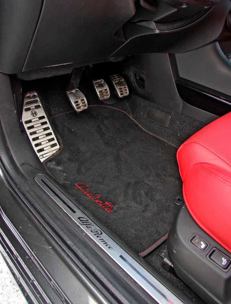 Test: Alfa Romeo Giulietta Quadrifoglio Verde: Hezčí GTI: - fotka 17