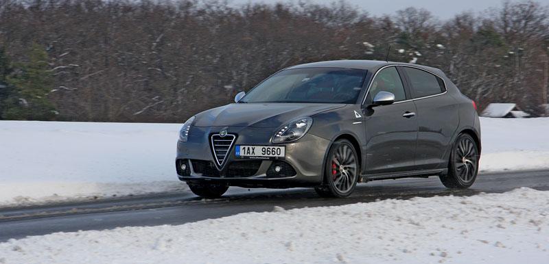 Test: Alfa Romeo Giulietta Quadrifoglio Verde: Hezčí GTI: - fotka 29