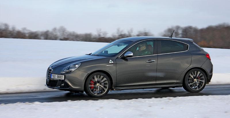 Test: Alfa Romeo Giulietta Quadrifoglio Verde: Hezčí GTI: - fotka 30