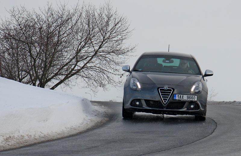 Test: Alfa Romeo Giulietta Quadrifoglio Verde: Hezčí GTI: - fotka 32