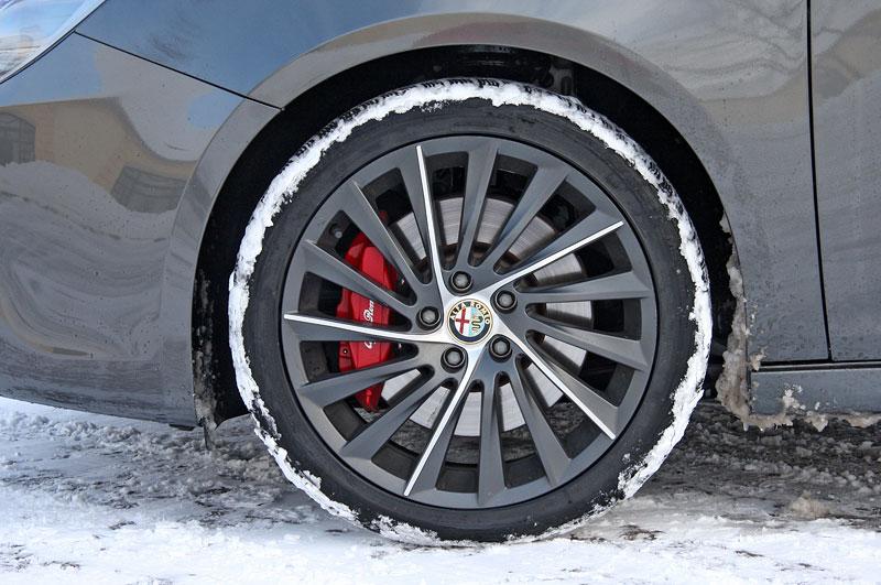 Test: Alfa Romeo Giulietta Quadrifoglio Verde: Hezčí GTI: - fotka 50