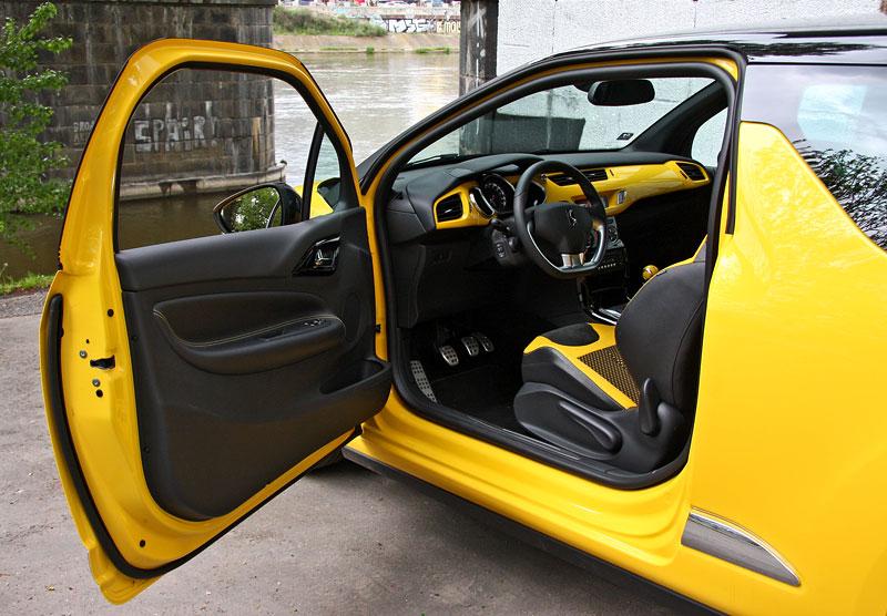 Test: Citroën DS3 1.6 THP: Říkejte mi Seb: - fotka 8