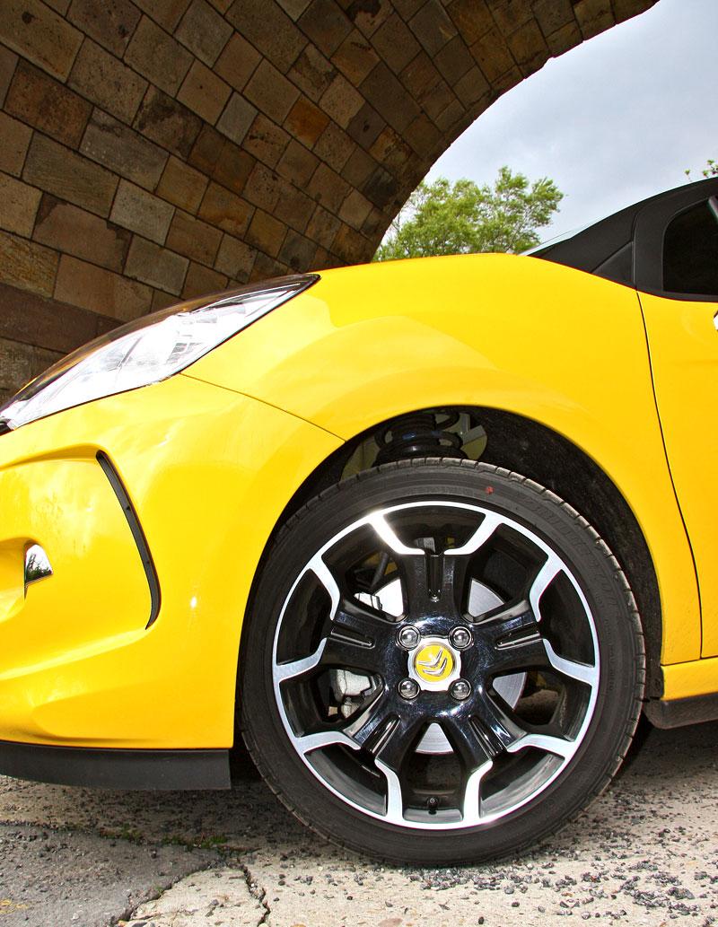 Test: Citroën DS3 1.6 THP: Říkejte mi Seb: - fotka 57