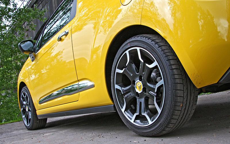 Test: Citroën DS3 1.6 THP: Říkejte mi Seb: - fotka 58