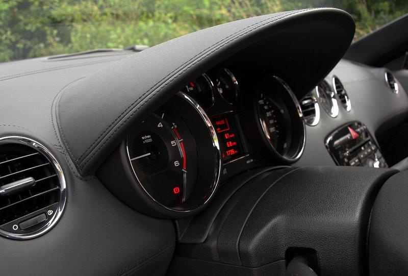 Test: Peugeot RCZ 2.0 HDi: 908čce v patách?: - fotka 2