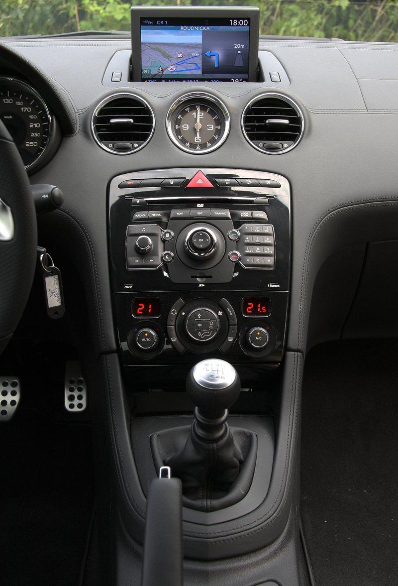 Test: Peugeot RCZ 2.0 HDi: 908čce v patách?: - fotka 7