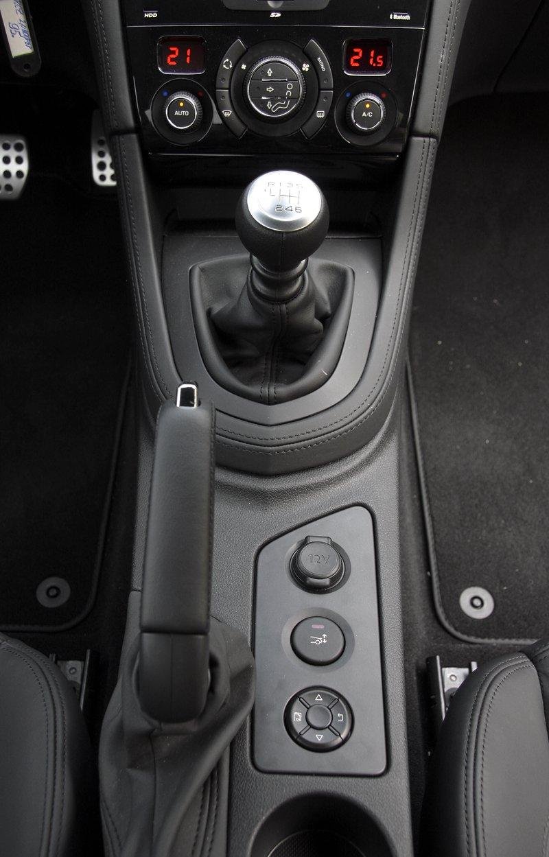 Test: Peugeot RCZ 2.0 HDi: 908čce v patách?: - fotka 10