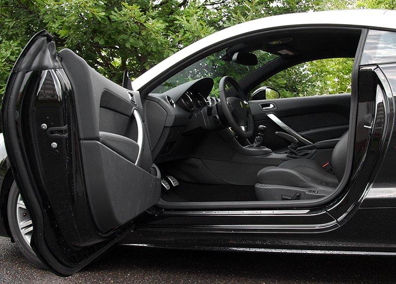 Test: Peugeot RCZ 2.0 HDi: 908čce v patách?: - fotka 18