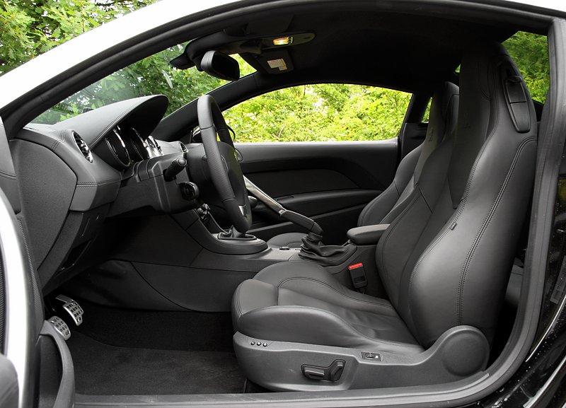 Test: Peugeot RCZ 2.0 HDi: 908čce v patách?: - fotka 19