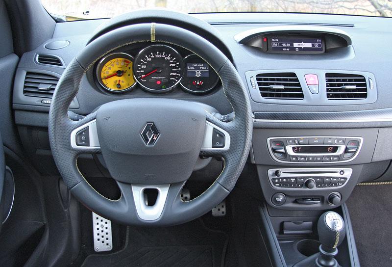 Test: Renault Mégane RS Cup: 2010 – Malá francouzská revoluce: - fotka 3