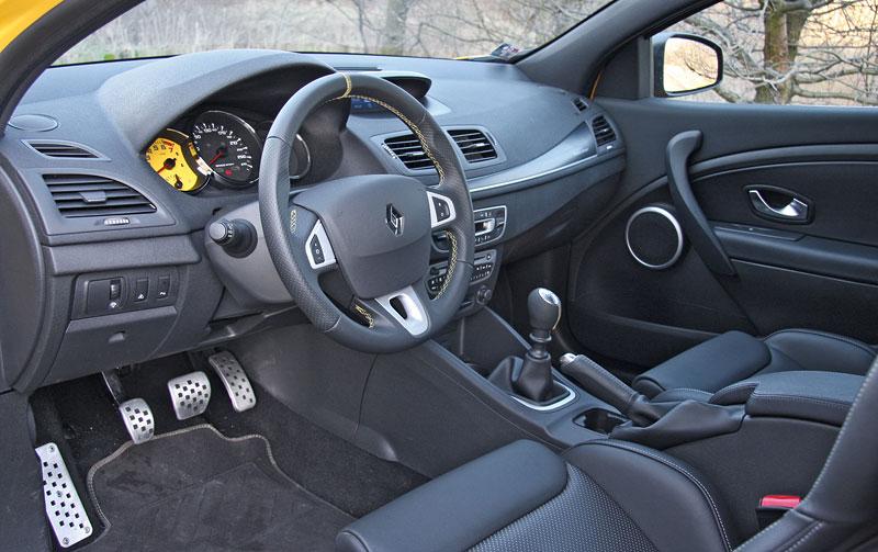 Test: Renault Mégane RS Cup: 2010 – Malá francouzská revoluce: - fotka 4