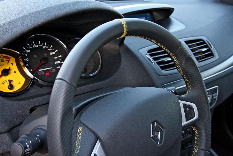 Test: Renault Mégane RS Cup: 2010 – Malá francouzská revoluce: - fotka 6