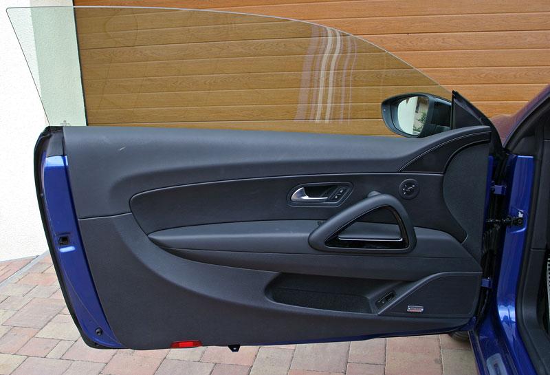 Test: Volkswagen Scirocco R – královské eR?: - fotka 13