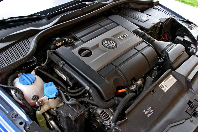 Test: Volkswagen Scirocco R – královské eR?: - fotka 45