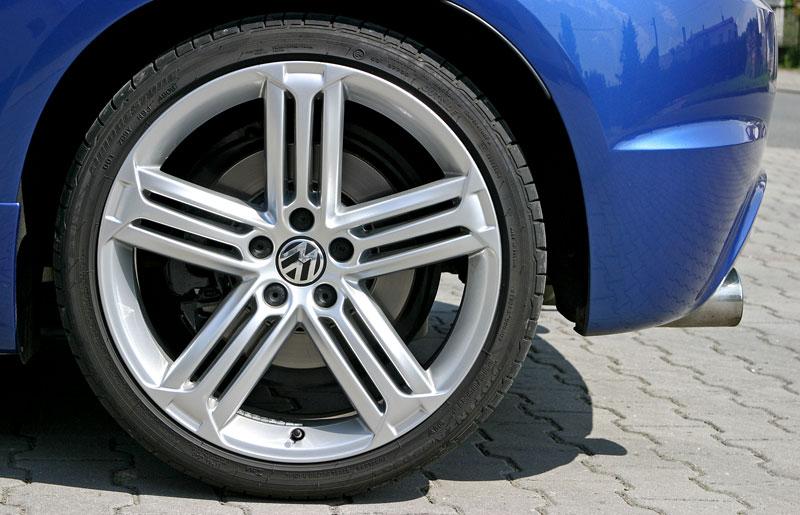 Test: Volkswagen Scirocco R – královské eR?: - fotka 54
