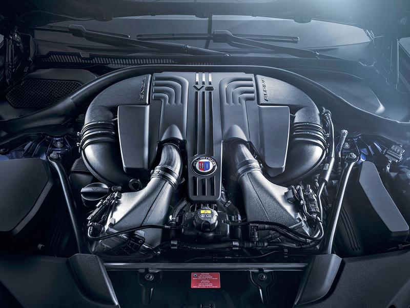 Alpina B5 Bi-Turbo: M5 z Buchloe a rovnou také v kombíku: - fotka 11