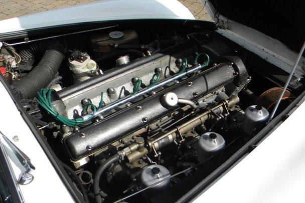 Aston Martin DB5 Convertible: vzácný kabriolet na prodej: - fotka 7