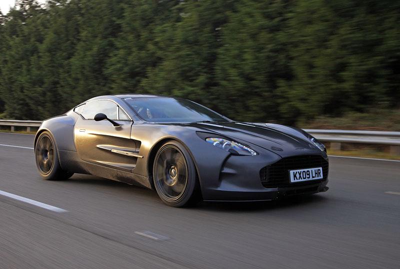 """Aston Martin: nejvíce """"cool"""" značka v Británii: - fotka 17"""