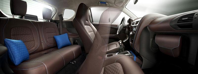 Aston Martin Cygnet & colette: miniauto za 49 tisíc éček: - fotka 1