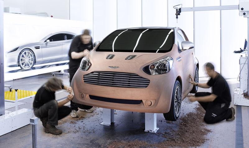 Ženeva 2010: Cygnet Concept - baby Aston Martin (nové foto): - fotka 32
