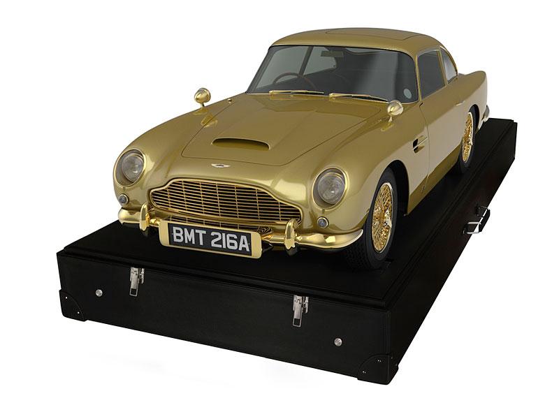 Pozlacený model Aston Martinu DB5 se prodal za dva miliony korun: - fotka 2