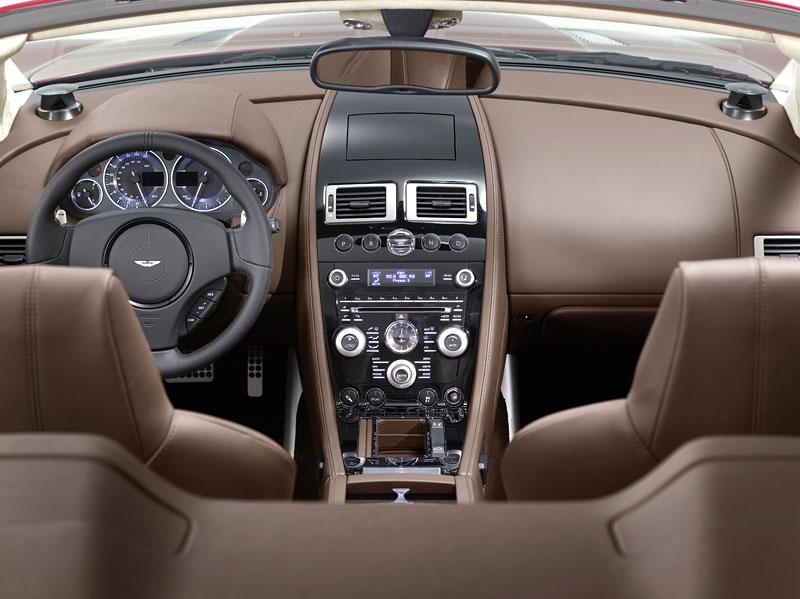 Autosalon Ženeva: Aston Martin DBS Volante: - fotka 1