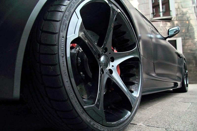 Anderson Casino Royale - vymazlený Aston Martin DBS: - fotka 7