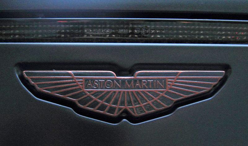 Anderson Casino Royale - vymazlený Aston Martin DBS: - fotka 9