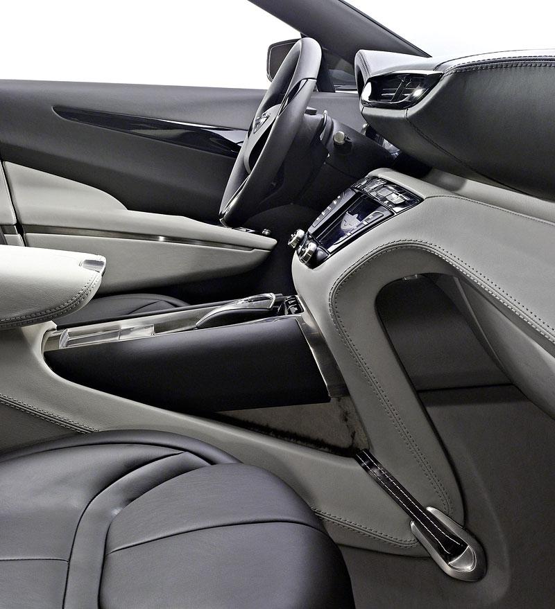 Aston Martin (díkybohu) zahodil projekt Lagonda: - fotka 1