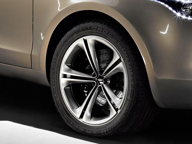 Aston Martin (díkybohu) zahodil projekt Lagonda: - fotka 13