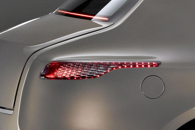 Aston Martin (díkybohu) zahodil projekt Lagonda: - fotka 16