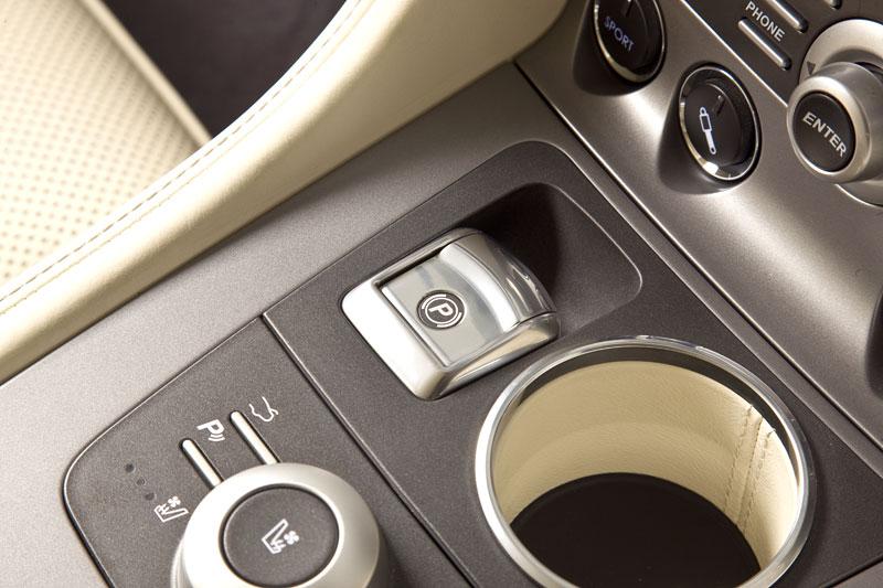 Aston Martin (díkybohu) zahodil projekt Lagonda: - fotka 27