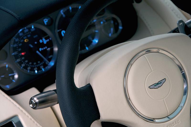 Aston Martin bude spolupracovat s Mercedesem: - fotka 1