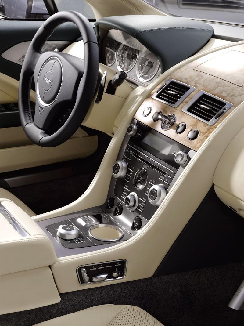 Frankfurt 2009 živě: Aston Martin Rapide - první dojmy: - fotka 20