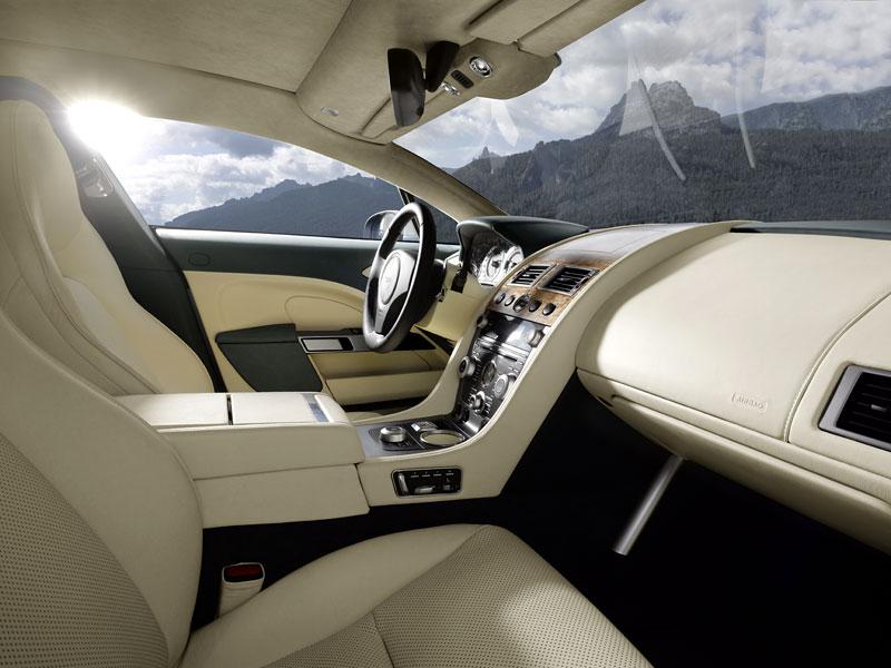 Frankfurt 2009 živě: Aston Martin Rapide - první dojmy: - fotka 21