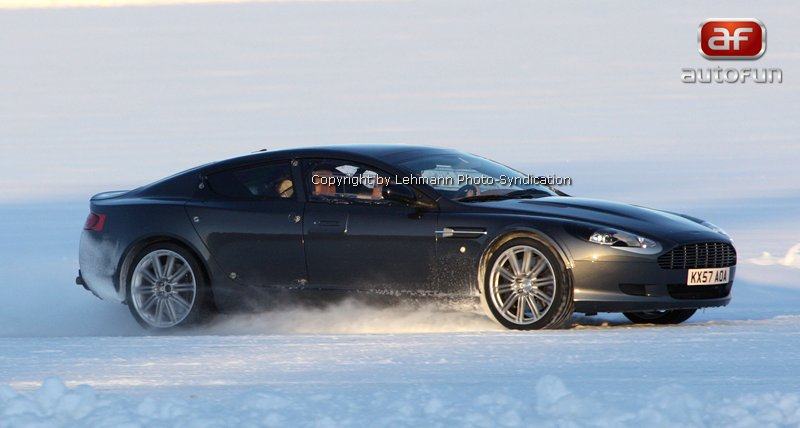 Spy Photos: Aston Martin Rapide: - fotka 6