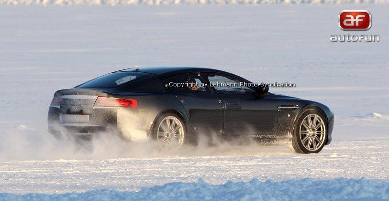 Spy Photos: Aston Martin Rapide: - fotka 11