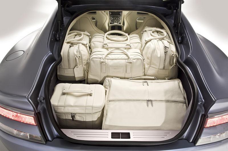Aston Martin (díkybohu) zahodil projekt Lagonda: - fotka 56