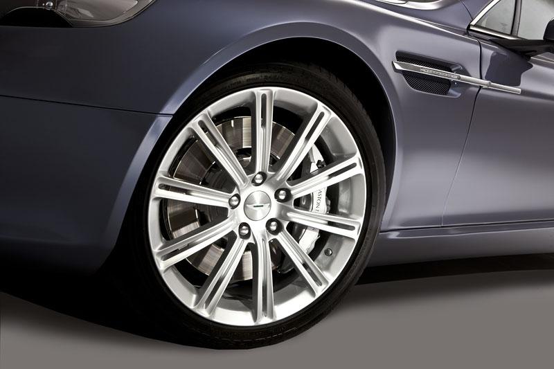 Aston Martin Rapide: Nové fotografie: - fotka 46