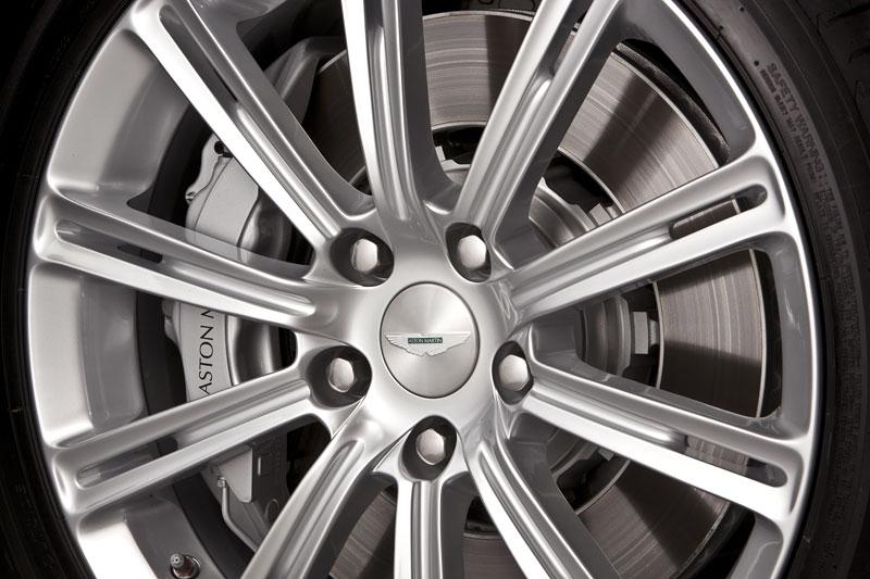 Aston Martin Rapide: Nové fotografie: - fotka 47
