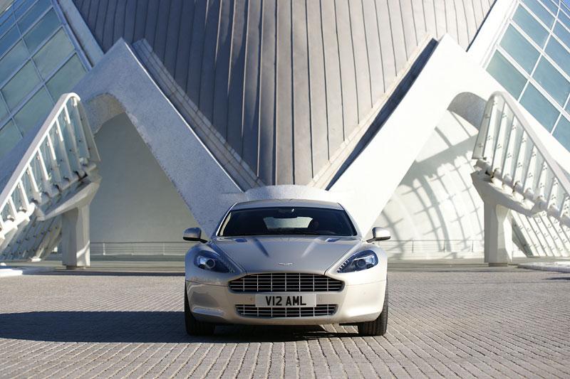 Aston Martin Rapide: konečně pořádná fotogalerie!: - fotka 11
