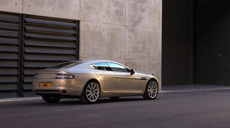 Aston Martin Rapide: konečně pořádná fotogalerie!: - fotka 32