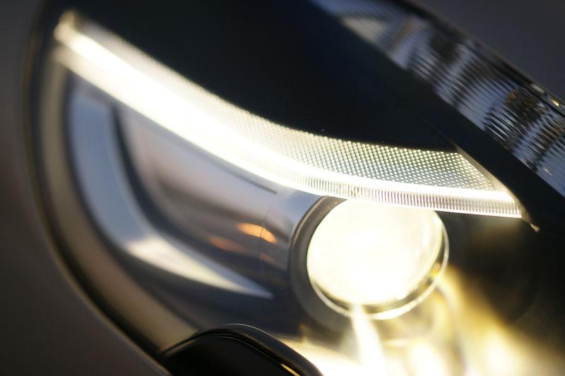 Aston Martin Rapide: konečně pořádná fotogalerie!: - fotka 40
