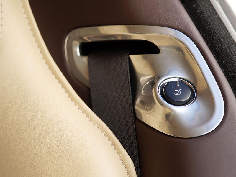 Aston Martin Rapide: konečně pořádná fotogalerie!: - fotka 43