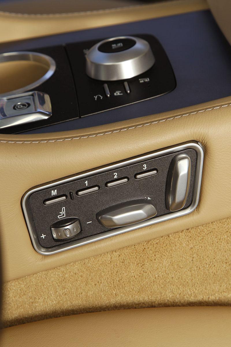 Aston Martin Rapide: konečně pořádná fotogalerie!: - fotka 48