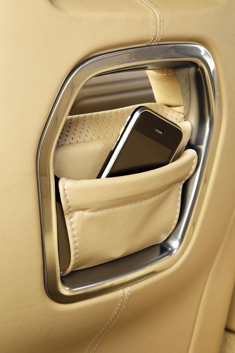 Aston Martin Rapide: konečně pořádná fotogalerie!: - fotka 51