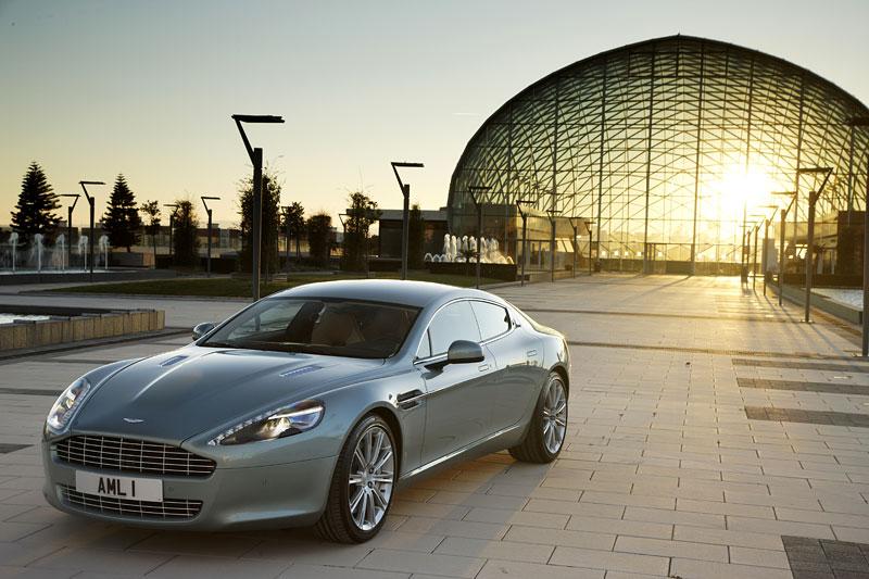 Aston Martin Rapide: konečně pořádná fotogalerie!: - fotka 54